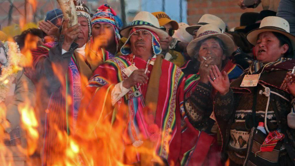 Wir schreiben das Jahr 5524: Uhreinwohner der Aymara in Bolivien feiern die Wintersonnenwende.