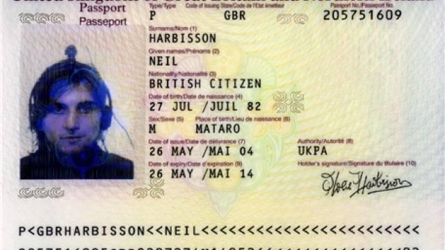 Neil Harbisson ist der erste anerkannte Cyborg. Foto: AZ