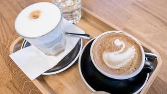 Die Kaffeexporte der Schweiz erreichten einen neuen Höchststand. Doch es wird immer noch mehr Kaffee vom Ausland importiert. (Symbolbild)