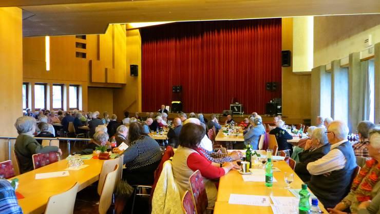 Die GV vom Seniorenverein Frenkendorf und Umgebung im Saal zum Wilden Mann in Frenkendorf