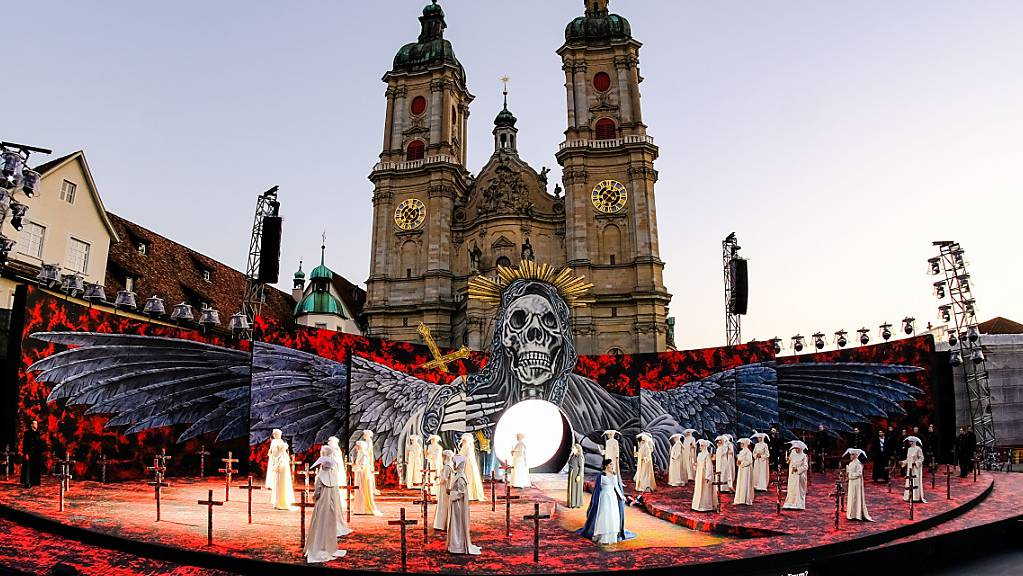 Die St. Galler Festspiele auf dem Klosterplatz wecken erneut den Unmut von Kantonsräten aus der SVP-Fraktion. (Archivbild)