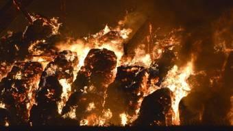 Der Veurteilte legte wiederholt Brände (Symbolbild)