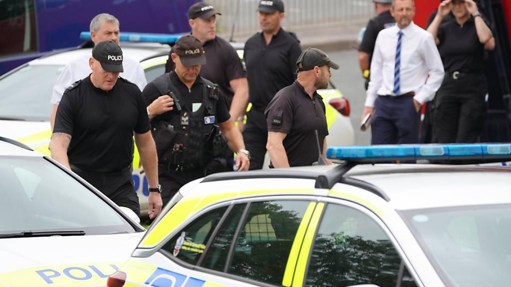 Kritik an Polizeiarbeit nach Bluttat im englischen Plymouth