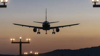 Die Einführung einer Flugticketabgabe rückt näher. Nach dem Ständerat befürwortet auch die Umweltkommission des Nationalrates diesen Schritt.