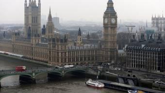 Das britische Parlament in Westminster, London