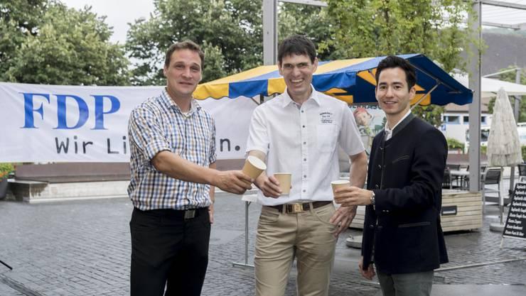 Andreas Fetscher, Hans Schibli und Yannick Berner auf dem Lindenplatz in Gränichen