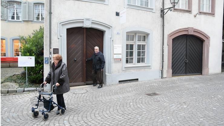 Die Senioren verlassen die Station Milchgasse des «Golatti». Diese hat nach 40 Jahren eine Sanierung nötig. Archiv