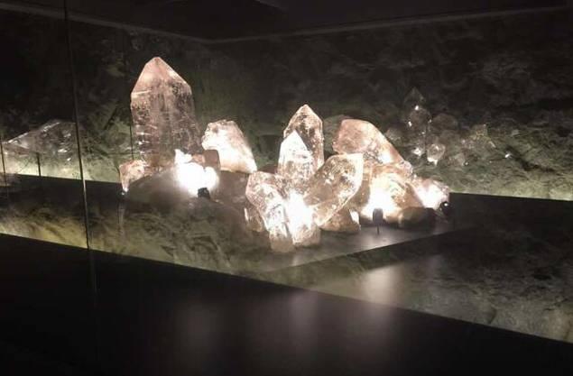 Die Kristallgruppe ist ein Juwel der Ausstellung!