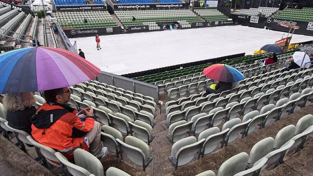 Die Tennisanlage Weissenhof in Stuttgart am Mittwoch Nachmittag: Ans Spielen war bei diesem Wetter nicht zu denken