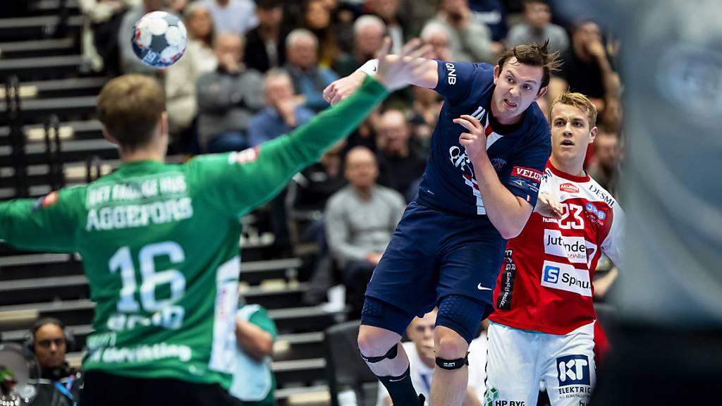 Auch Olympiasieger Dänemark mit Fehlstart