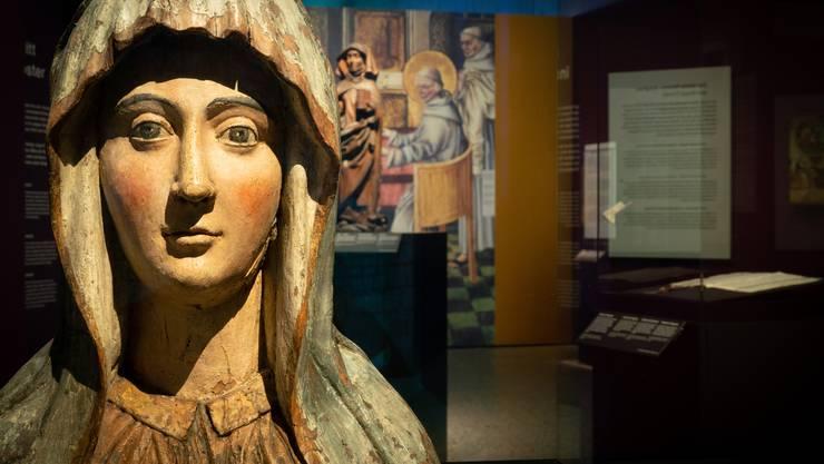 Selbstbewusst schaut uns die Ordensgründerin Marie von Oignies an. Sie ist eine der starken Frauen des Mittelalters, die es im Landesmuseum Zürich zu entdecken gibt.