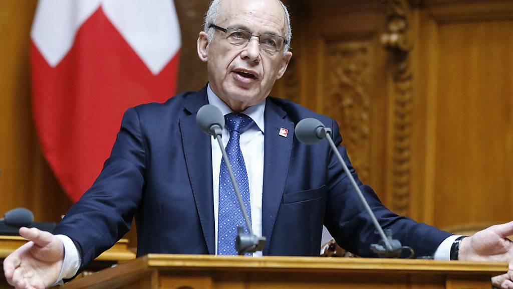 Bundesrat Ueli Maurer warnte in der Debatte um die Unternehmenssteuerreform im Nationalrat davor, die Vorlage zu überladen.