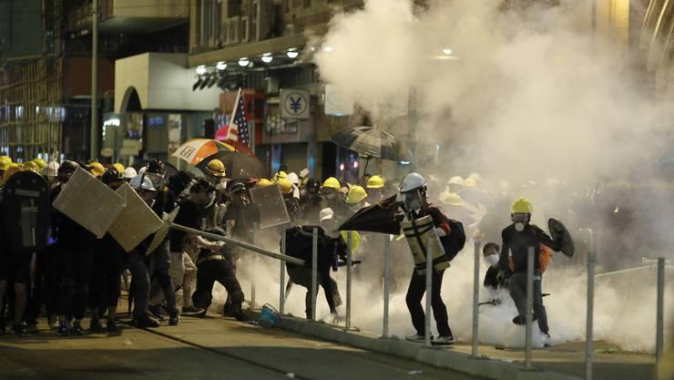 Tränengaseinsatz gegen Demonstranten in Hongkong.