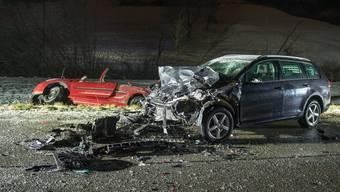 In Densbüren verunfallen oftmals Autolenker, trotzdem ist die Strasse laut Kanton sicher. Nach jedem Unfall wird abgewogen, ob Massnahmen nötig sind.