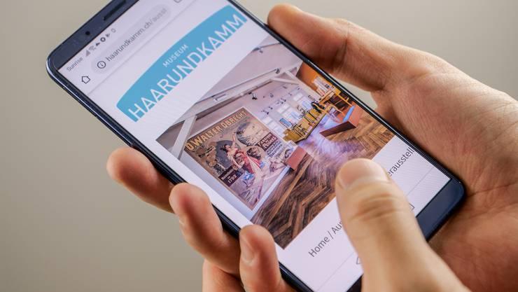 Der neue Webauftritt des Museums Haarundkamm für Smartphones.