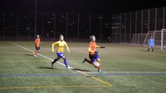 Auch Goalgetterin Sanja Mijovic (im gelben Trikot), die lange verletzt ausgefallen war, ist wieder voll einsatzbereit. (Archiv)