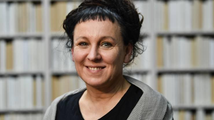 Die polnische Literaturnobelpreisträgerin Olga Tokarczuk wird im März 2020 ihre kürzlich abgesagten Termine in der Schweiz nachholen. Am 17. März tritt sie etwa im Kunstmuseum Basel auf.
