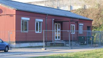 Die eingezäunte Asylunterkunft in Möhlin.