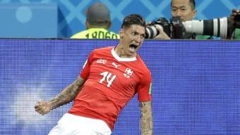Steven Zuber sorgt mit seinem Ausgleich gegen den fünffachen Weltmeister Brasilien für den ersten Schweizer Jubel-Moment an der WM.