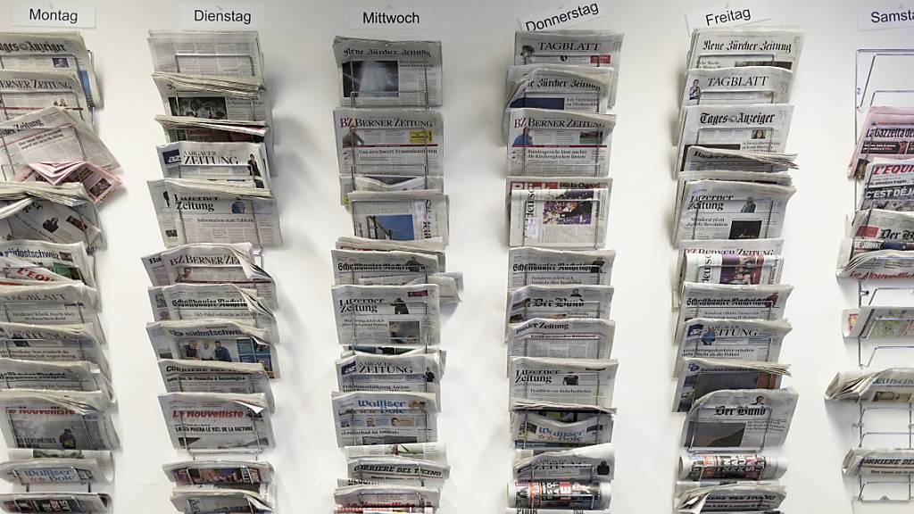 Die grösste Zeitungspräsenz im Vorfeld der Wahlen hat wie bereits vor vier Jahren die SVP gehabt. (Archivbild)