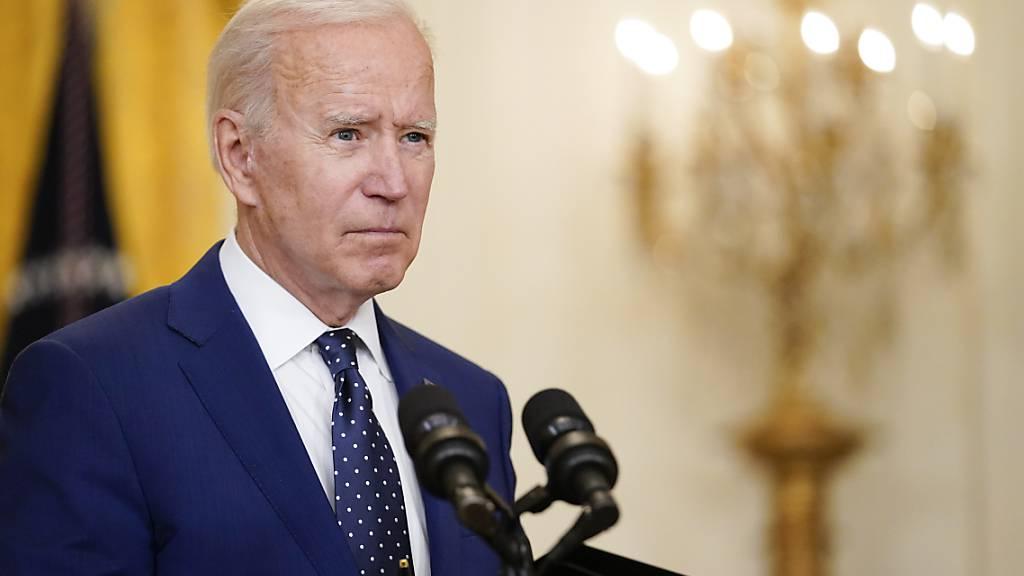 ARCHIV - Joe Biden, Präsident der USA, spricht im East Room des Weißen Hauses. Foto: Andrew Harnik/AP/dpa