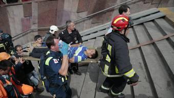 Unfall in Moskauer U-Bahn fordert mindestens zehn Tote und über hundert Verletzte
