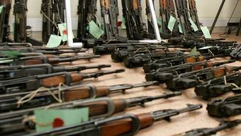 Die 'Ndrangheta soll hauptsächlich im Waffenschmuggel tätig gewesen sein (Symbolbild)