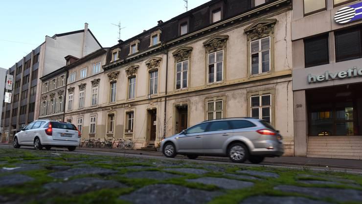 Diese vier Häuser im Steinengraben wurden im 19. Jahrhundert erbaut. Jetzt werden sie einem Büro-Wohn-Komplex weichen.