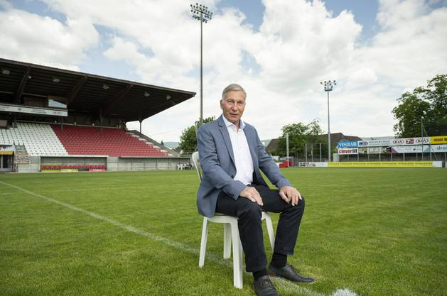 Alfred Schmid im Brügglifeld - wenige Tage vor seinem Rücktritt als FCA-Präsident