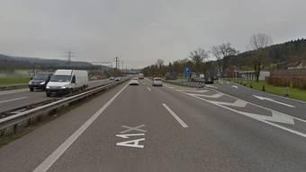 Zwischen der Verzweigung Wiggertal und dem Rastplatz Oftringen (rechts im Bild) fuhr ein Autofahrer in die falsche Richtung.  (Symbolbild)