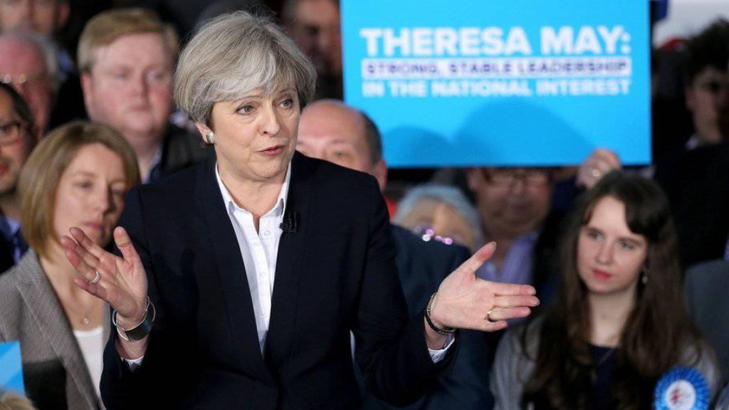 Theresa May an einer Wahlveranstaltung am 1. Mai in Mawdsley.