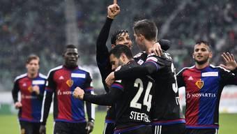 Auch dank zweier St. Galler Eigentore hatten die Spieler des FC Basel heute viel zu jubeln.