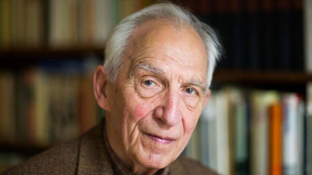 Der Schriftsteller Dieter Wellershoff ist im Alter von 92 Jahren in Köln gestorben. (Archivbild)