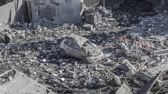 Ein durch einen israelischen Luftangriff zerstörtes Haus in Gaza City.