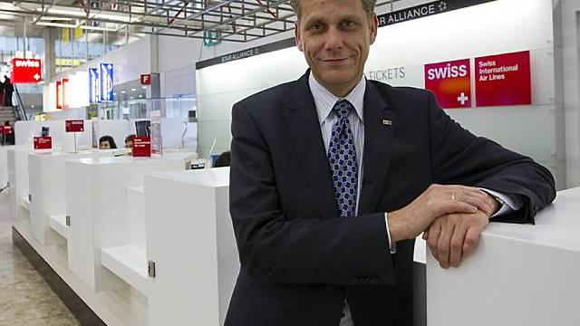 Swiss-Chef Harry Hohmeister denkt an höhere Ticketpreise und hat mit den Forderungen der Piloten seine Mühe. (Archiv)