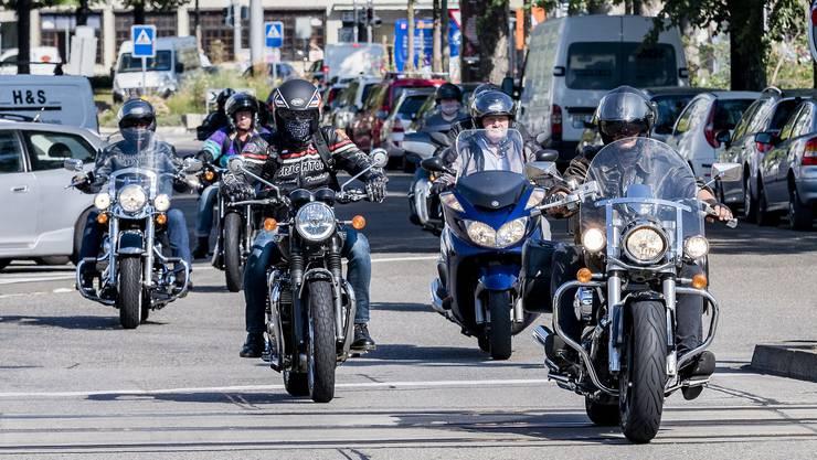 Laut lärmende Motorräder sorgen nicht nur im Kanton Aargau für Knatsch. (Symbolbild)
