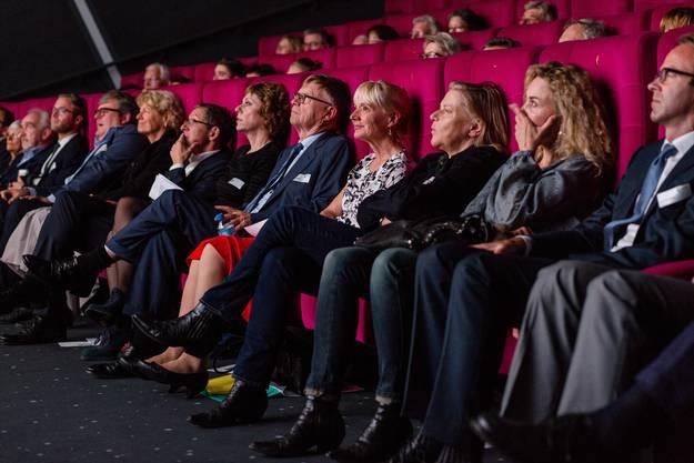 Die Gäste der Feier im Kino Trafo in Baden.
