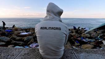 Ein in Ventimiglia an der ligurischen Küste gestrandeter Flüchtling - mehrere Tage nach dem Beginn der Grenzblockade zwischen Italien und Frankreich campieren immer noch Dutzende Flüchtlinge an der Grenze zwischen beiden Ländern