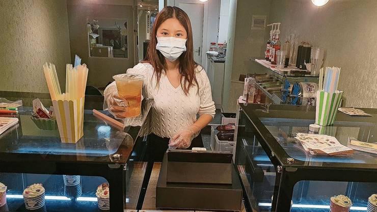 Wurde vom Erfolg überrascht: Thanh Ngan Luong (23) im Laden an der Rathausgasse.