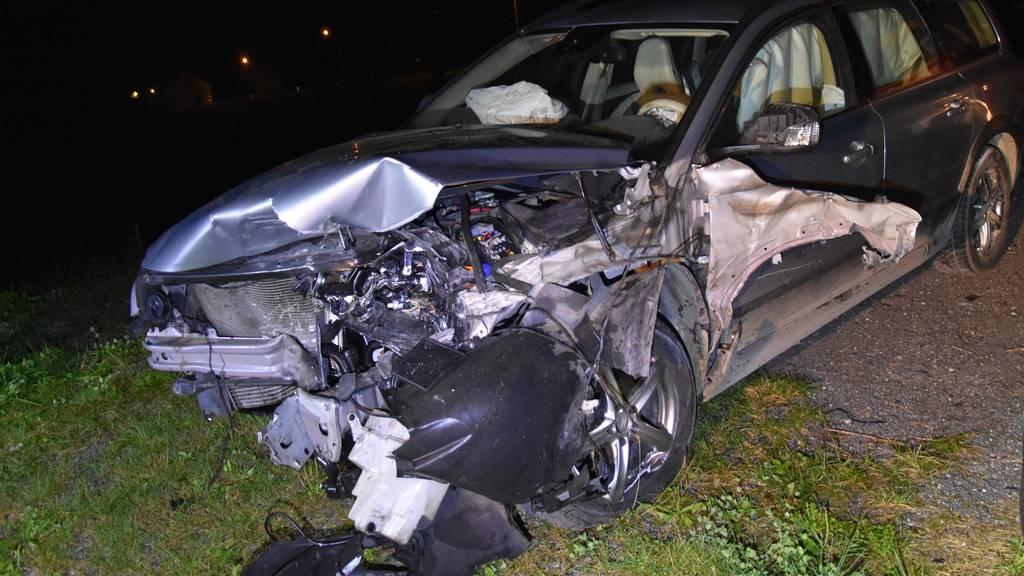 Fahrunfähig und ohne Führerausweis verunfallt