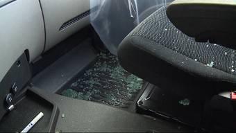 Statt in einem teuren Mercedes sitzen sie nun hinter schwedischen Gardinen: Die Polizei erwischte in Neuendorf fünf rumänische Einbrecher.