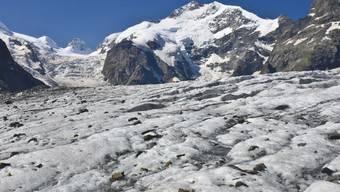 Im Eis des Morteratschgletschers werden 40 verunfallte Bergsteiger vermisst.