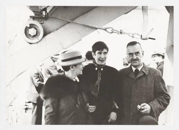 Katia, Erika und Thomas Mann an Bord der «Ile de France», New York, April 1937. (Foto: Thomas-Mann-Archiv der ETH Zürich)