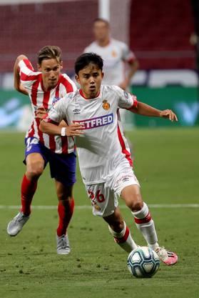 Wechselte mit 10 Jahren zu Barcelona: Takefusa Kubo (vorne). Heute gehört er Real Madrid, spielte aber in der abgelaufenen Meisterschaft für RCD Mallorca.