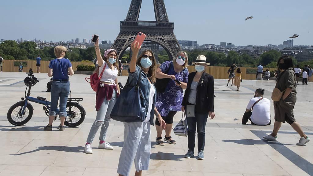 Pariser Polizei darf Corona-Regeln nicht mehr mit Drohnen überwachen