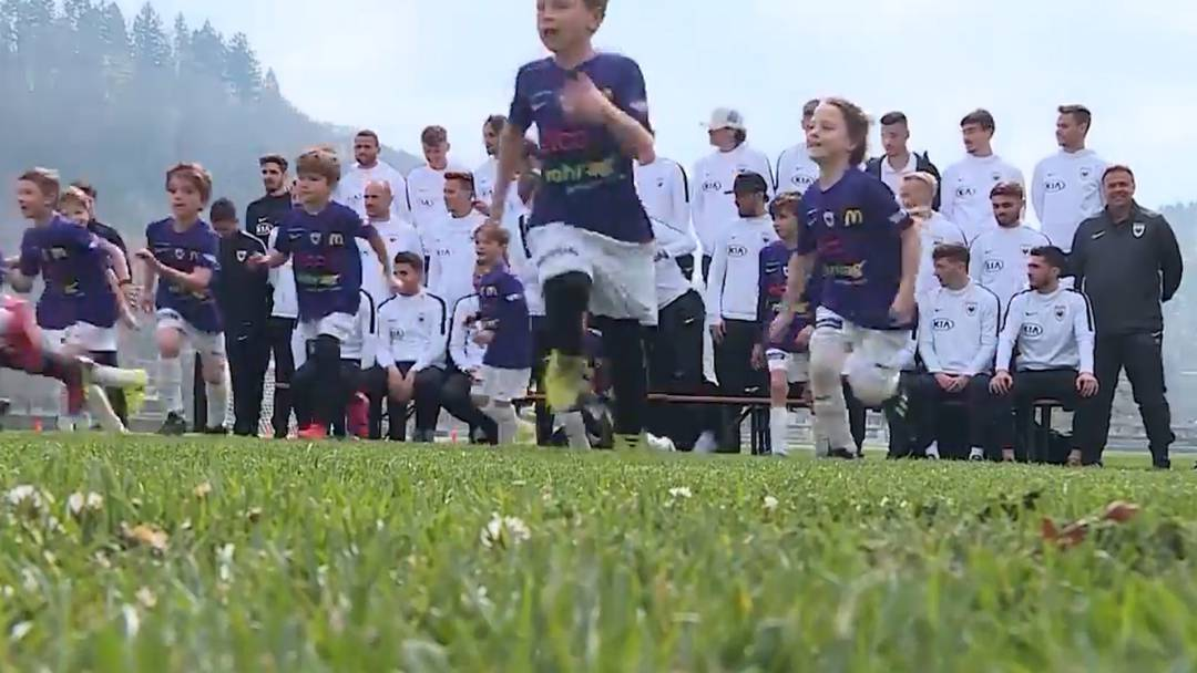 Trainieren mit den Idolen: FCA-Fussballcamp im Aarauer Schachen
