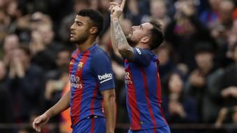 Barcelonas Paco Alcacer jubelt nach seinem ersten Saisontor