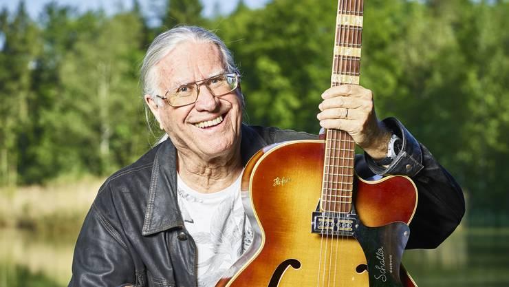 Der Pop- und Rock-Pionier Toni Vescoli sagt über sich: «Ich bin weder Hippie, noch 68er … und schon gar kein Alt-Hippie.»