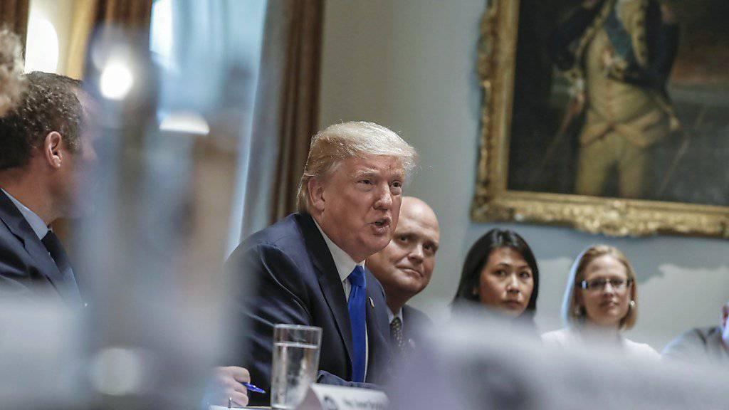 Die Demokraten kündigten einen «Deal» mit Trump an, doch der US-Präsident widerspricht: Keine Einigung zu DACA, keine Einigung zum Grenzschutz, schreibt er auf Twitter.