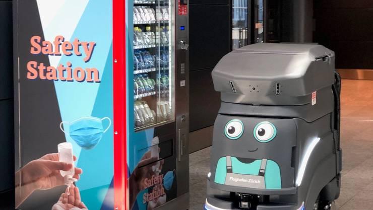 Selecta-Automaten mit Hygienemitteln und ein Putzroboter sind am Flughafen Zürich bereits im Einsatz. Reicht das für ein Top-Rating?